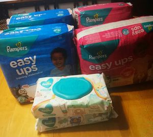 Pampers size2-3. Easy up and wipes for Sale in Montgomery, TX