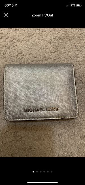 Small Silver Michael Kors Wallet for Sale in Los Angeles, CA