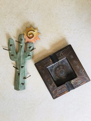 Vintage Collection Royale Copper Western Ashtray and Metal Saguaro Refrigerator Magnet for Sale in Scottsdale, AZ