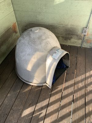 XL Igloo dog house for Sale in Oakland, CA