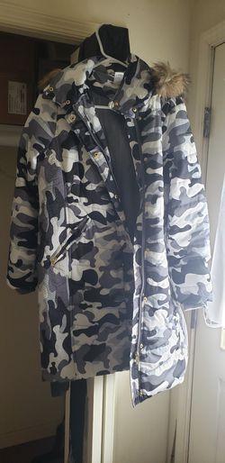 K. Jordan Designer Winter Coat (Adult Medium) for Sale in Paxinos,  PA