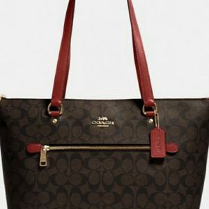 Brand New Authentic COACH Gallery Tote Signature Canvas Purse for Sale in Fort Lauderdale, FL