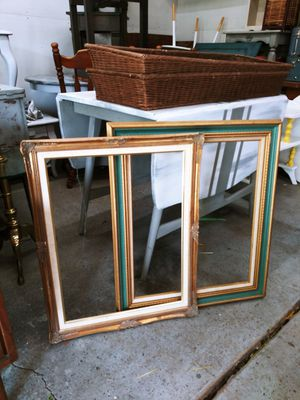 "Beautiful Pair of Vintage Photo Frames! Close to 30"". Great for a gallery wall! Get creative! for Sale in Joliet, IL"