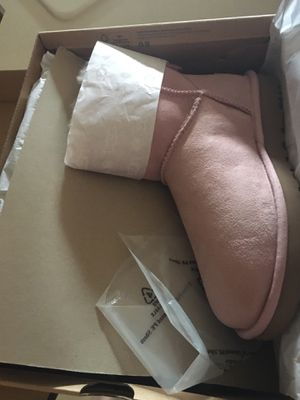 Brand new ugg for Sale in Bolingbrook, IL