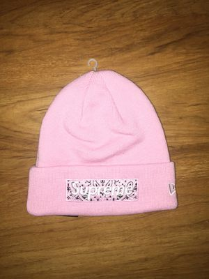 F/W 19' Supreme Pink Bandana Box Logo Beanie for Sale in Fort Belvoir, VA