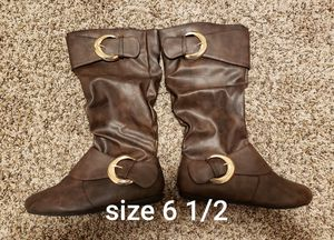 Womens boots size 6 1/2 for Sale in Vancouver, WA