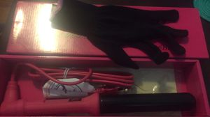 Clipless curling iron! Wond jumbo for Sale in Tacoma, WA