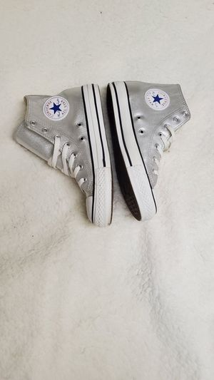 Converse size 7 like new for Sale in Valley Stream, NY
