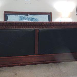 4 Piece King Size Bedroom Suite for Sale in Laurel, MD