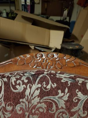 FREE upholstered chair for Sale in Niederwald, TX
