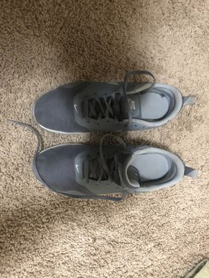 NIKE RUNNING SHOES SIZE 6 for Sale in Jacksonville, AR
