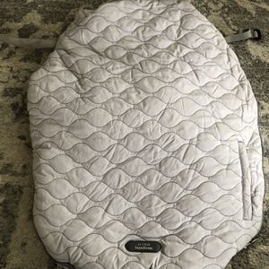 JJ Cole bundle Me Car Seat Cover for Sale in Irwin, PA