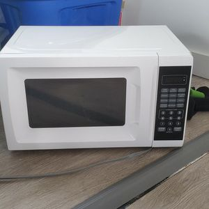 Microwave for Sale in Valrico, FL