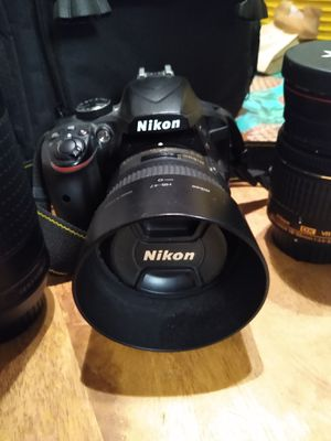 Nikon D3400 camera with several lenses, charger & carrying bag for Sale in Ontario, CA
