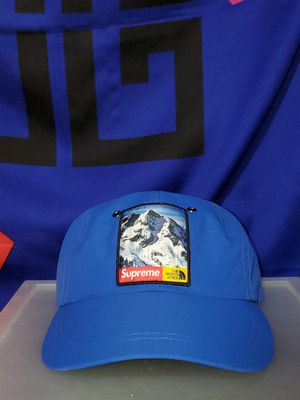 Supreme The North Face mountain 6-panel for Sale in Sun City West, AZ