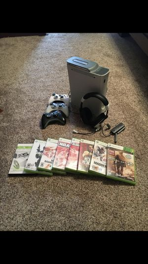 Xbox 360, turtle beaches, 3 controllers and games for Sale in Purcellville, VA