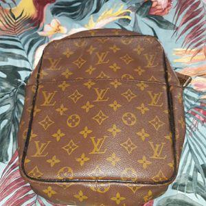 Louis Vuitton crossbody bag for Sale in Davenport, FL
