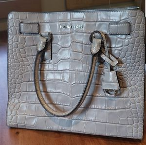 BNWT Michael Kors Dillion Embossed Gray Tote for Sale in Leavenworth, WA
