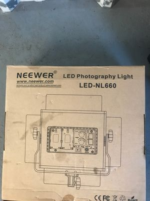 Neewer camera light for Sale in Lakewood, WA