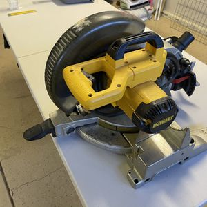 "De Walt 10"" Miter Saw for Sale in Chico, CA"