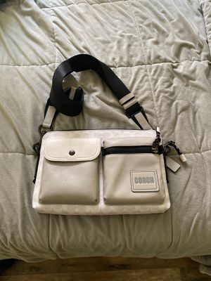 Coach messenger bag for Sale in Houston, TX