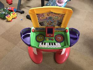 Kids musical piano-desk and clock (2) for Sale in Silver Spring, MD