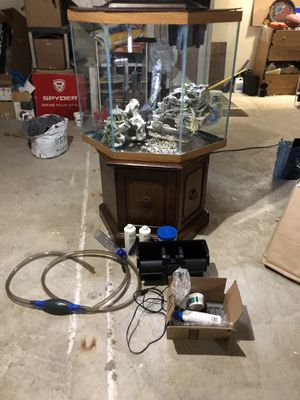 Fish tank for Sale in Dearborn Heights, MI