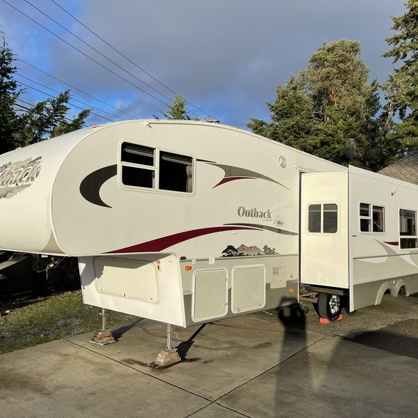 2006 Keystone Outback Sydney edition 30FT With One Super Slide