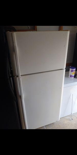 "$160*Top freezer REFRIGERATOR 30""w × 66""H for Sale in Spring Hill, FL"