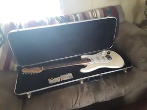 Fender strat 1994 MIM for Sale in Loma Linda, MO