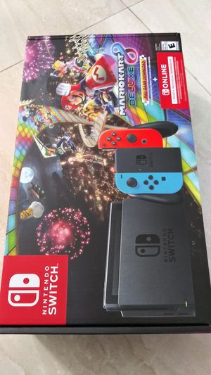 Nintendo Switch 32GB Mario Kart 8 Deluxe Console Bundle for Sale in Miami, FL