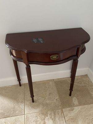 Accent Table for Sale in Pembroke Pines, FL