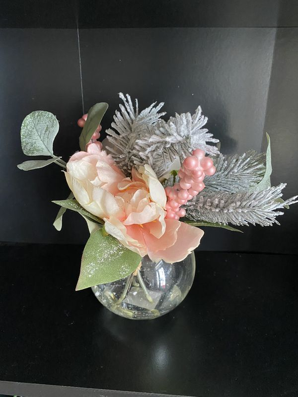 MOVING OUT SALE- ENDS FEB 28!!!Pink flower vase