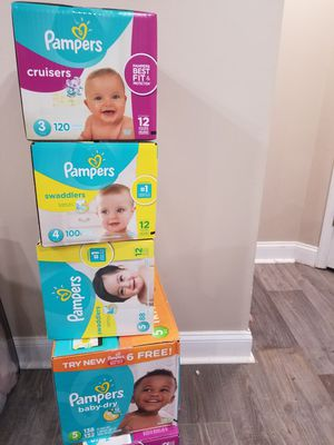 Big boxes of Pampers size 3 to 5 for Sale in Baltimore, MD