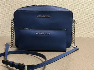 Like New Michael Kors Crossbody & Wallet for Sale in Plainfield, IN