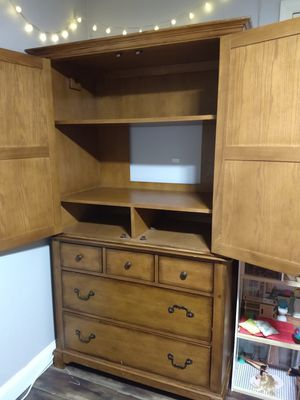 Beautiful cabinet with storage for Sale in Gilbert, AZ