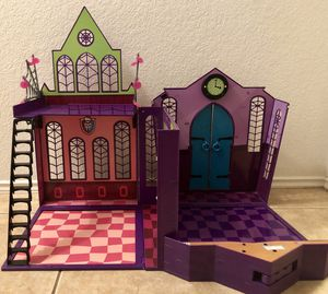 Monster High Dolls - High School Playset House for Sale for sale  Arlington, TX