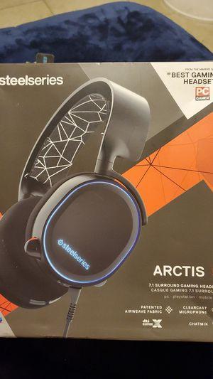 Arctis 5 gaining headset for Sale in Phoenix, AZ