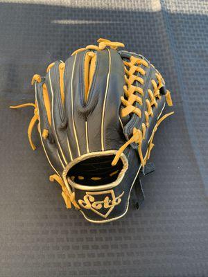 New Soto baseball /softball glove for Sale in Norwalk, CA
