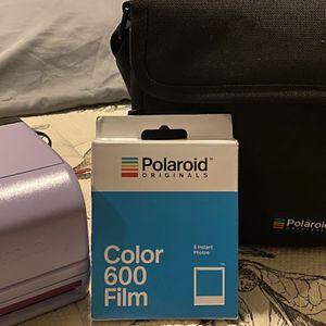 Polaroid 600 Camera + Bag + film for Sale in Brooklyn, NY