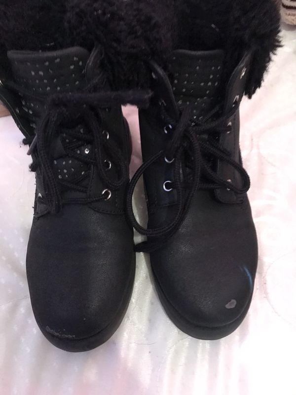 Little girl boots size 3