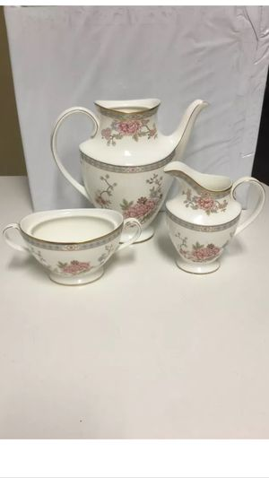 BEAUTIFUL 33 years old Antique 1977 (3 piece) Royal Doulton England fine bone China coffee or tea set $50 for Sale in Miami Lakes, FL