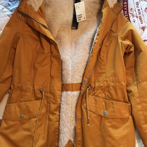 Sherpa Lined Parka For women / Size 8 / Jacket/ Cold Weather for Sale in San Diego, CA