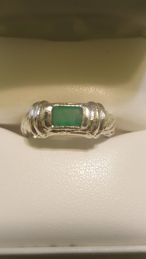 NATURAL COLOMBIAN EMERALD .55 CT STERLING SILVER RING! SIZE 6 for Sale in Hialeah, FL