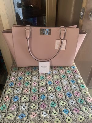 Authentic Kate spade bag $100 PRICE IS FIRM NO LEES SERIOUSLY BUYER ONLY for Sale in North Las Vegas, NV