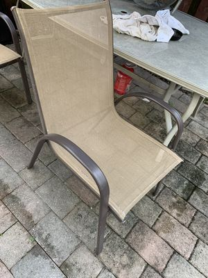 Free table with six chairs for Sale in Hialeah, FL