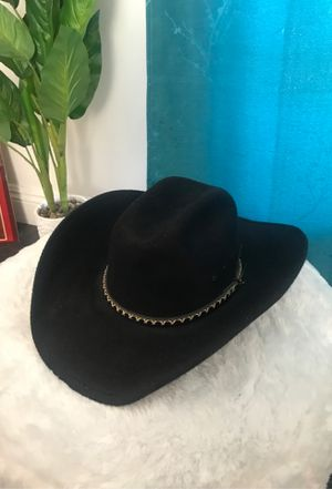 Cowgirl hat for Sale in Whittier, CA