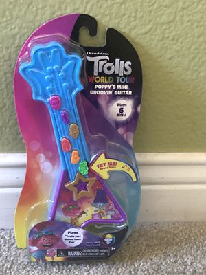 Trolls world tour groovin guitar for Sale in Lake Elsinore, CA