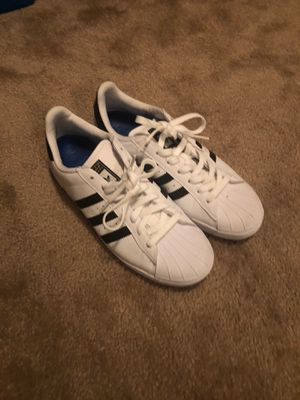 Classic Addidas Shoes Size 9 for Sale in Phoenix, AZ