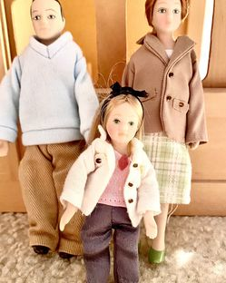 Tumdee Dollhouse Porcelain Miniatures Family 👪 for Sale in Glenwood,  MD